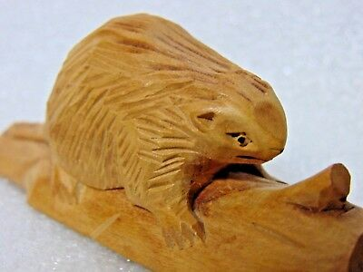 vintage HANDMADE hand carved WOOD BEAVER folk art EXCELLENT $9.95 no reserve
