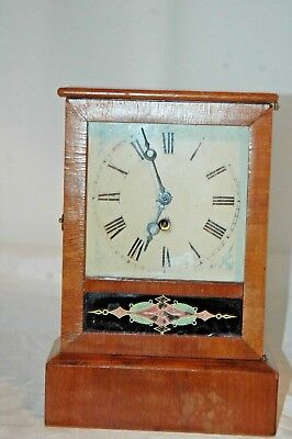 Antique 19Th Century American Mantle Clock With Pendulum.