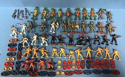 + Lot Of 47 Britains Aliens & Space Man Figures With Metal Stands