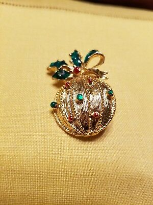 Signed CHRISTMAS Vintage PIN BROOCH  gold tone