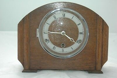 Antique/vintage Oak Case Westminster Chimes Mantle Clock.with Key.