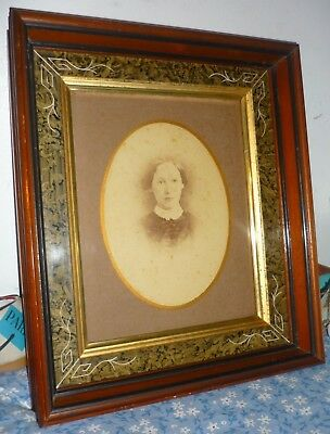 """Victorian antique Eastlake Deep Walnut Picture Frame -   8 x 10"""" Photo of woman"""