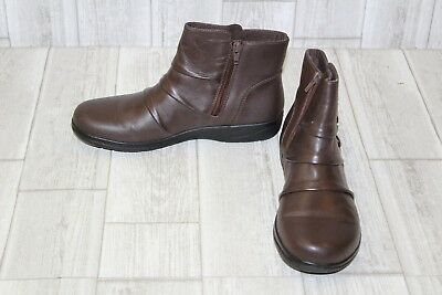 b0e0ec86b114 CLARKS CHEYN ANNE Booties - Women s Size 8.5M - Brown -  37.78 ...