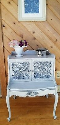 Vintage French Provincial End - Night/Accent Table