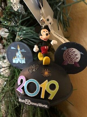 Disney New Years 2019 Mickey & Friends Ears Ornament NWT Lights Up