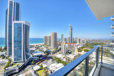 GOLD COAST ACCOMMODATION Circle Apartment 2 Bed + Study Luxury Ocean $1275 7nts