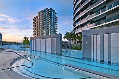 GOLD COAST ACCOMMODATION Broadbeach Oracle 5 Star Luxury $1250 7nts 2 bedroom