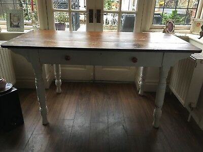 Large Victorian Pine Table With Turned Legs And A Large Drawer