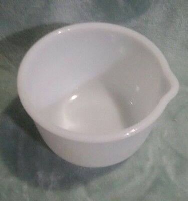 """SMALL GLASBAKE MILK GLASS  MIXING BOWL for SUNBEAM w/Spout  6 1/2"""" x 4 3/4"""""""