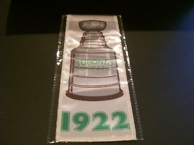 2017/18 UD Toronto Maple Leafs Centennial 1922 SC Championship Banner