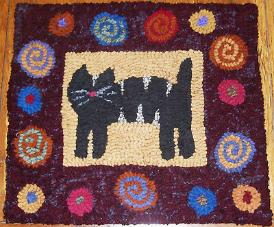 CAT WITH ANTIQUE POSIES BORDER Primitive Rug Hooking KIT with cut wool strips