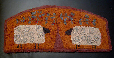 SHEEP IN THE SHADE Primitive Rug Hooking KIT with Cut Wool Strips
