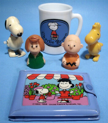6pc LOT 60s CHARLIE BROWN PEANUTS SNOOPY WOODSTOCK WALKERS LUCY PEPPERMINT PATTY