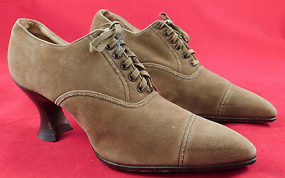 Unworn Edwardian Vintage Utz & Dunn Brown Suede Leather Laceup Pointed Toe Shoes