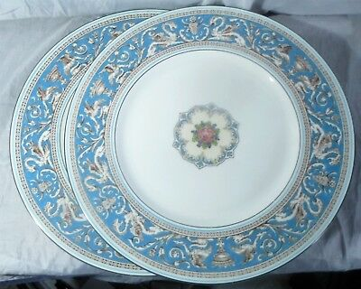 2 Wedgwood Turquoise Florentine Fruit Center Dinner Plates W2714
