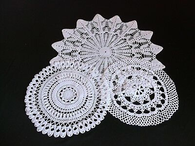 VINTAGE HAND CROCHET WHITE COTTON TABLE CENTRE AND 2 DOILIES 40, 25, 24cms