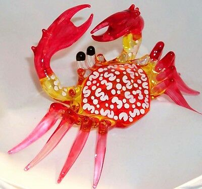 Red Md Crab Pincers Up Large Art Glass Figurine Single