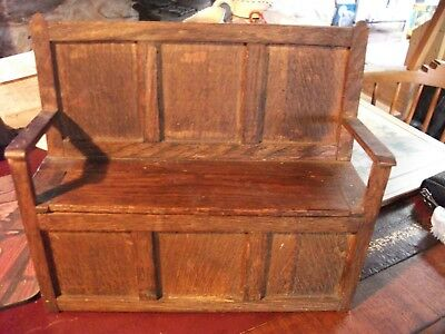 apprentice piece Traditional Oak Settle With Lift Up Seats - Victorian