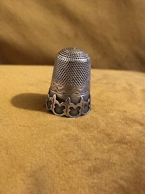 Vintage C1900-1910 Solid Silver Thimble With Unusual Gothic Style Border