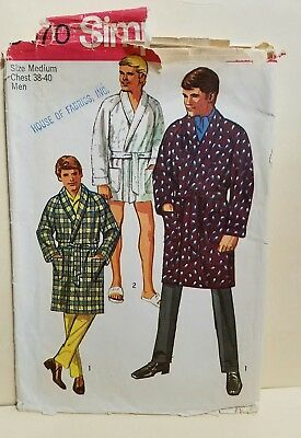 VTG Simplicity Sewing Pattern #8470 Mens ROBE Sz MEDIUM Chest 38-40 CUT