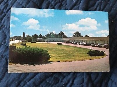 Winder GA Georgia, vintage 1960's roadside postcard, Travelers Motel, some cars