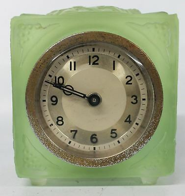 Vintage Art Deco Green Vaseline Glass Wind-Up Small Table Clock 8 x 7 x 5cm