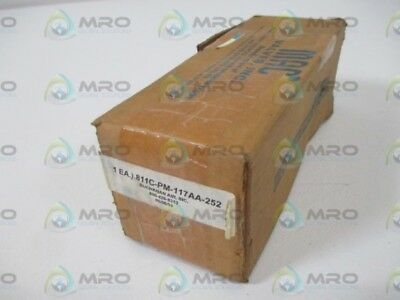 Mac 811C-Pm-117Aa-252 Solenoid Valve * New In Box *
