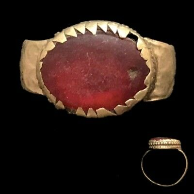 Stunning Top Quality Post Medieval Ring (5)