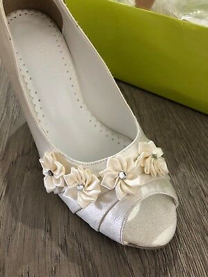 Ivory 3inch Heel, Wedding shoes - 'Cizzy' size 6