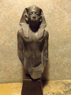 Egyptian statue - Museum quality art / sculpture replica of 12th dynasty Pharaoh