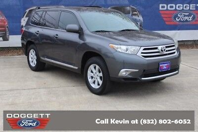 2013 Highlander Plus 2013 Toyota Highlander, Classic Silver Metallic with 88,576 Miles available now!