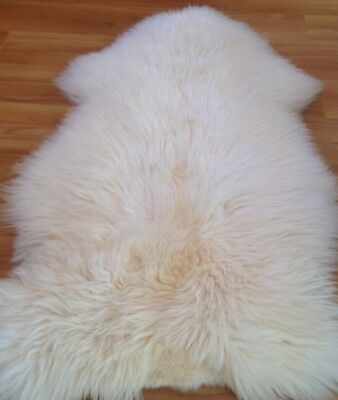 Large Natural Sheepskin Rug! Very fluffy and soft. 120cm x 70cm