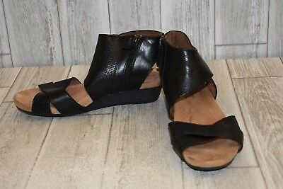 229cedaa8053 COBB HILL ROCKPORT Women s Jordan Thong Black Leather Sandal ...