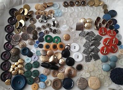 Job Lot Collection Of Vintage Retro  Buttons