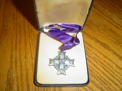 Ww2 Memorial Canadian Cross - Cased -Sterling -Named Original