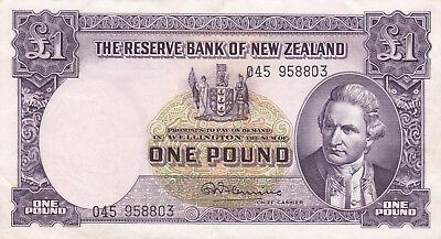 1 POUND VF+ BANKNOTE FROM NEW ZEALAND 1967!PICK-159d