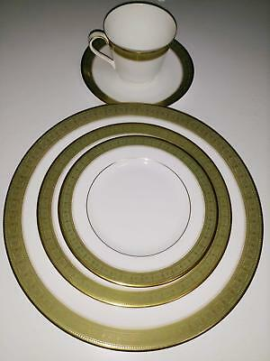 Royal Doulton Belvedere Gold Green Band China 5pc Place Setting Plate Cup Saucer
