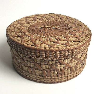 Vintage Round Sweet Grass Decorated Basket with Lid, Tight Weave