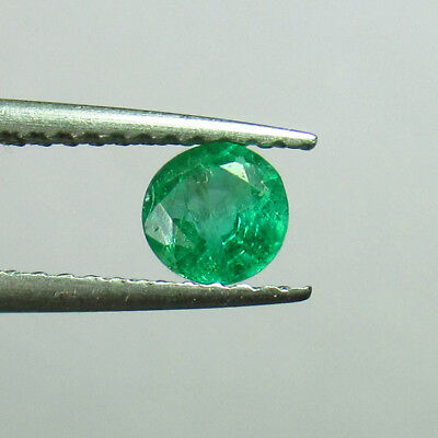 0.43 Ct - Natural Emerald - Top Good Luster Green Color Round Cut Zambia