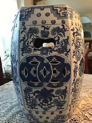 Vintage Asian Blue And White Porcelain Garden Stool 18 Inches In Height