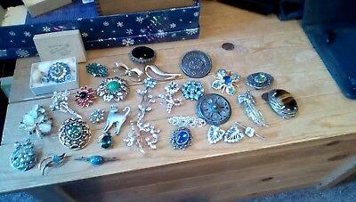 Job Lot Of Vintage/antique Costume Jewellery,brooches(31)Two Silver,marcasite+++