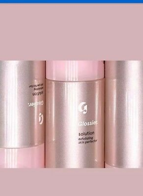 GLOSSIER SOLUTION FACE EXFOLIATING SKIN PERFECTOR 1 x 130ML. Brand new in bag