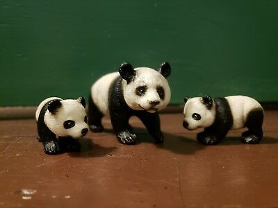 Schleich Giant Panda Family 1 Adult 2 Cubs