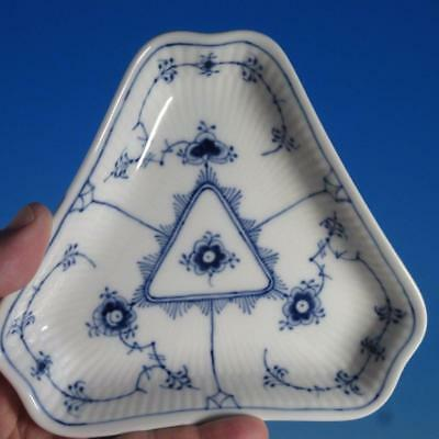 Royal Copenhagen Blue Fluted Plain - 1st Quality - 2211 - Triangular Pickle Dish
