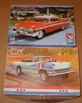 Model Kit  Ford 1957 Plymouth 58 Vintage  1/25