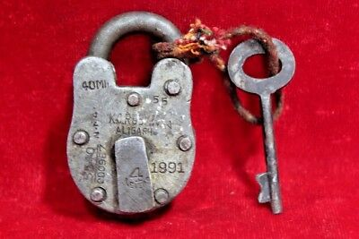 Vintage Collectible Old Iron Handcrafted Lock and Key Collectible BE-85