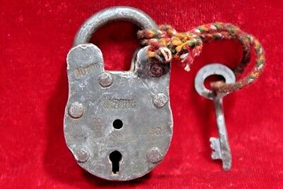 Vintage Collectible Old Iron Handcrafted Lock and Key Collectible BE-86