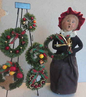 Byers Choice Carolers Lady with Wreath Rack and 5 Wreaths