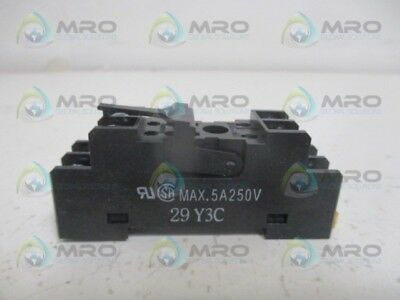 Omron P2Rf-08 Relay Socket 5A/250V *new No Box*