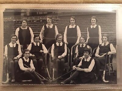 Social History SOUTHERN BANKS SPORTS ASS. 1st Eleven LADIES HOCKEY SQUAD 1932/33